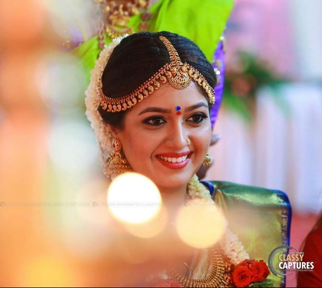 Brides Of Bangalore On Instagram Meghana Raj Megsraj X Chiranjeevi Sarja Chirusa In 2020 South Indian Hairstyle Indian Wedding Couple Photography Saree Wedding