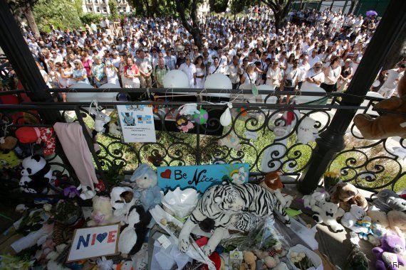 L Hommage Citoyen Aux Victimes De L Attentat De Nice Attentat A