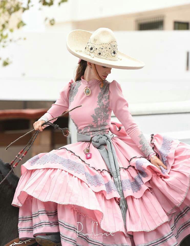 Pin de Maria S Maldonado en Vestidos Mexicanos en 2019  2ca74a62229