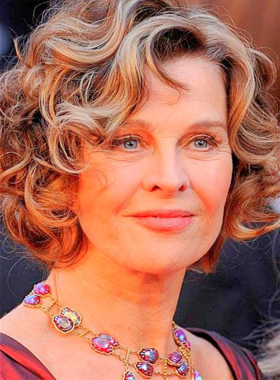 Curly Hairstyles For Older Women Hot Hair Styles Trendy Short Hair Styles Short Wavy Hairstyles For Women