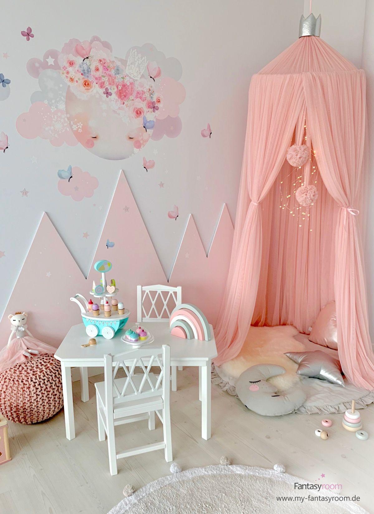 Mädchenzimmer mit Kuschelecke & rosa Bergen