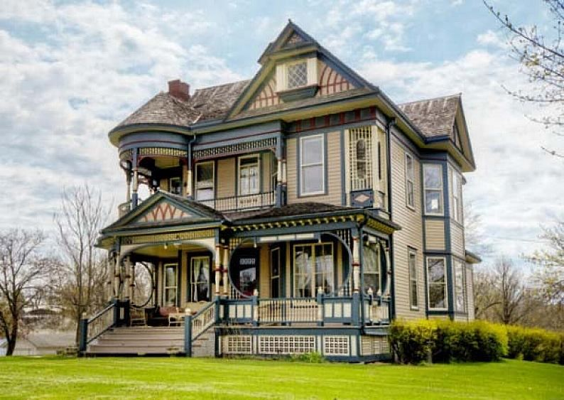 For Sale The Queen Anne Victorian Houses In Osceola   Home Design And Decor  Ideas