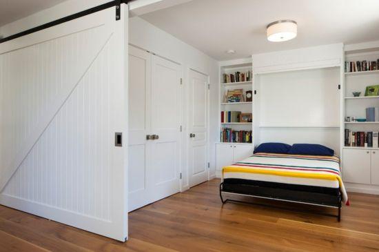 Designer Klappbett  Das Murphy Bett Wird Horizontal Zugeklappt Und Sieht  Wie Die Tür Eines Schrankes Aus. Es Funktioniert Prima In  Multifunktionellen Räumen