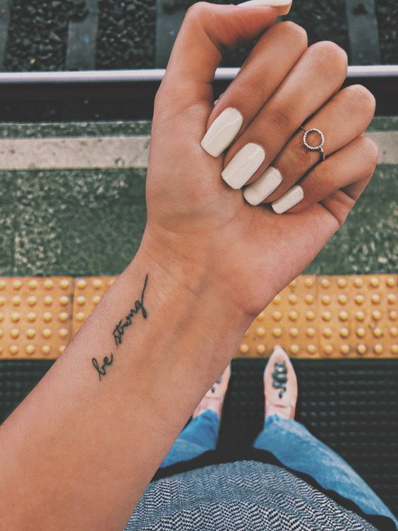 Idées de tatouage minimalistes pour la première fois #first #minimalistic #tat... - Tattoo