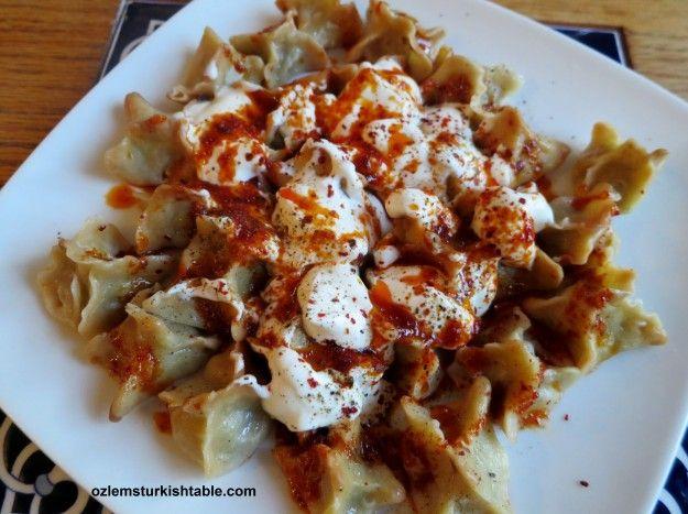 Delicious, drobné poklady, Manti;  Turecké knedle s koreneným náplňou mletého mäsa.