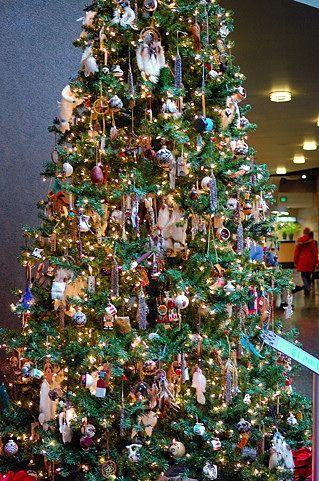 Native American Decorated Tree Christmas Tree Decorations Christmas Tree Design Christmas Tree Trimming