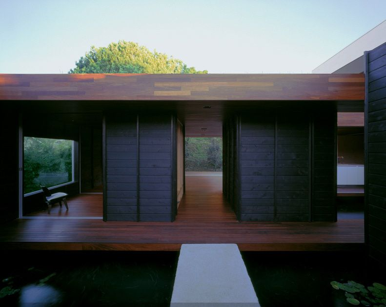 find this pin and more on inspiration pour une petite architecture - Japanese Inspired Architecture