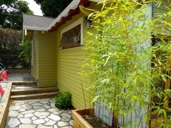 Woman Has Garage Converted Into 550 Sq Ft Adu Cottage Backyard Cottage Country Cottage Decor Cottage