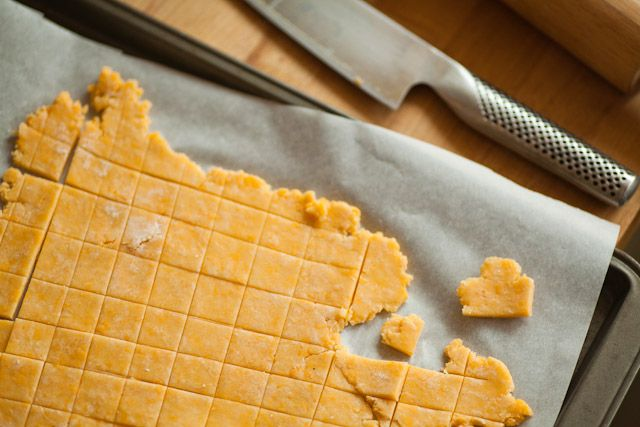 quick, simple recipe for homemade Cheez-Its