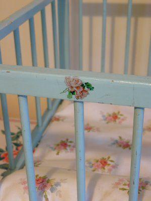 retro baby furniture. Vintage Lifestyle Baby / Toddler Playpen. Retro Furniture