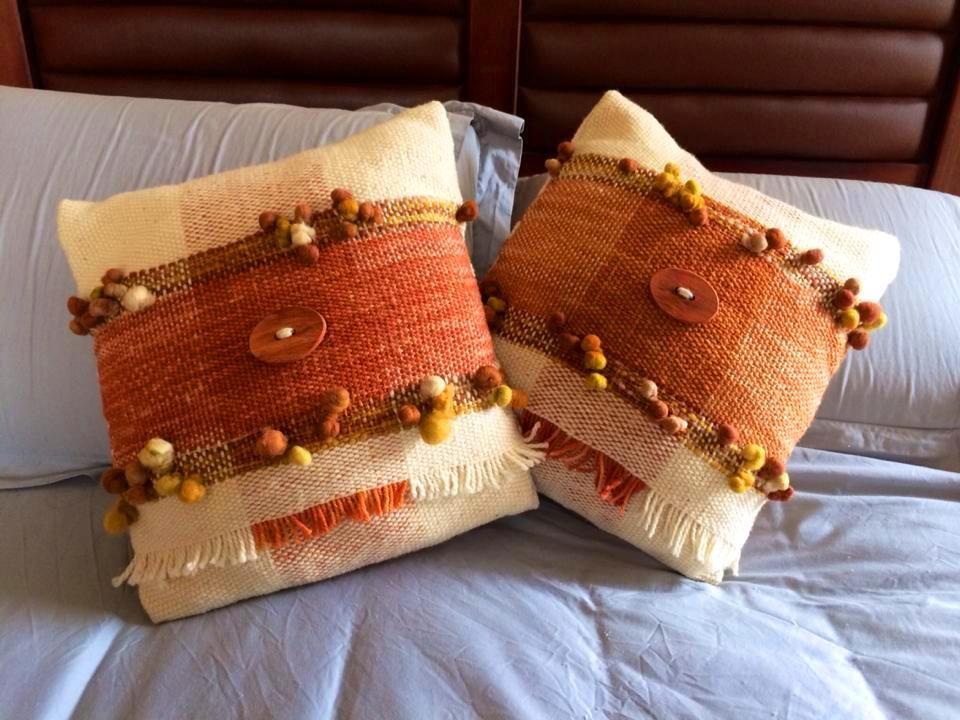 Cojines tejidos a telar mar a tejidos en telar pinterest telar pieceras y tejido - Cojines de lana ...