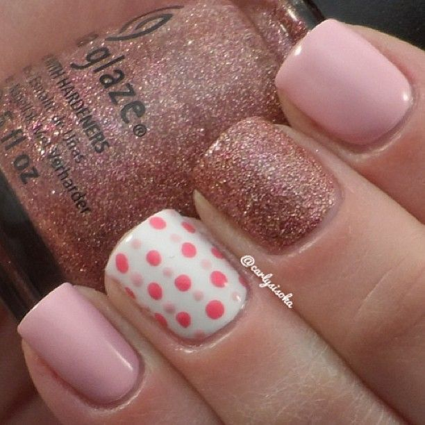 Chinaglaze- United, Covergirl- Pink-finity, and Essie- Blanc  Off - cuisine rouge et blanc photos