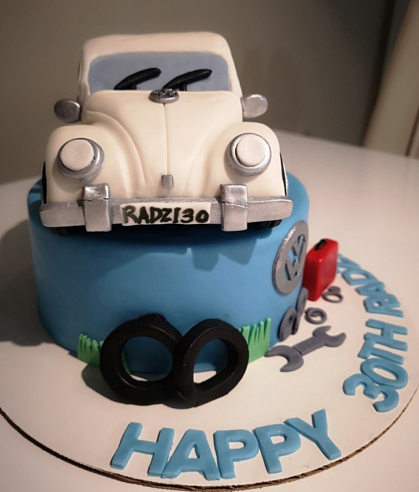 My husband's 30th birthday cake by R&B Sweets. beetle