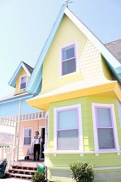 """Real-Life """"Up"""" Movie House... What are the chances that the buyers try to make it fly with balloons?"""