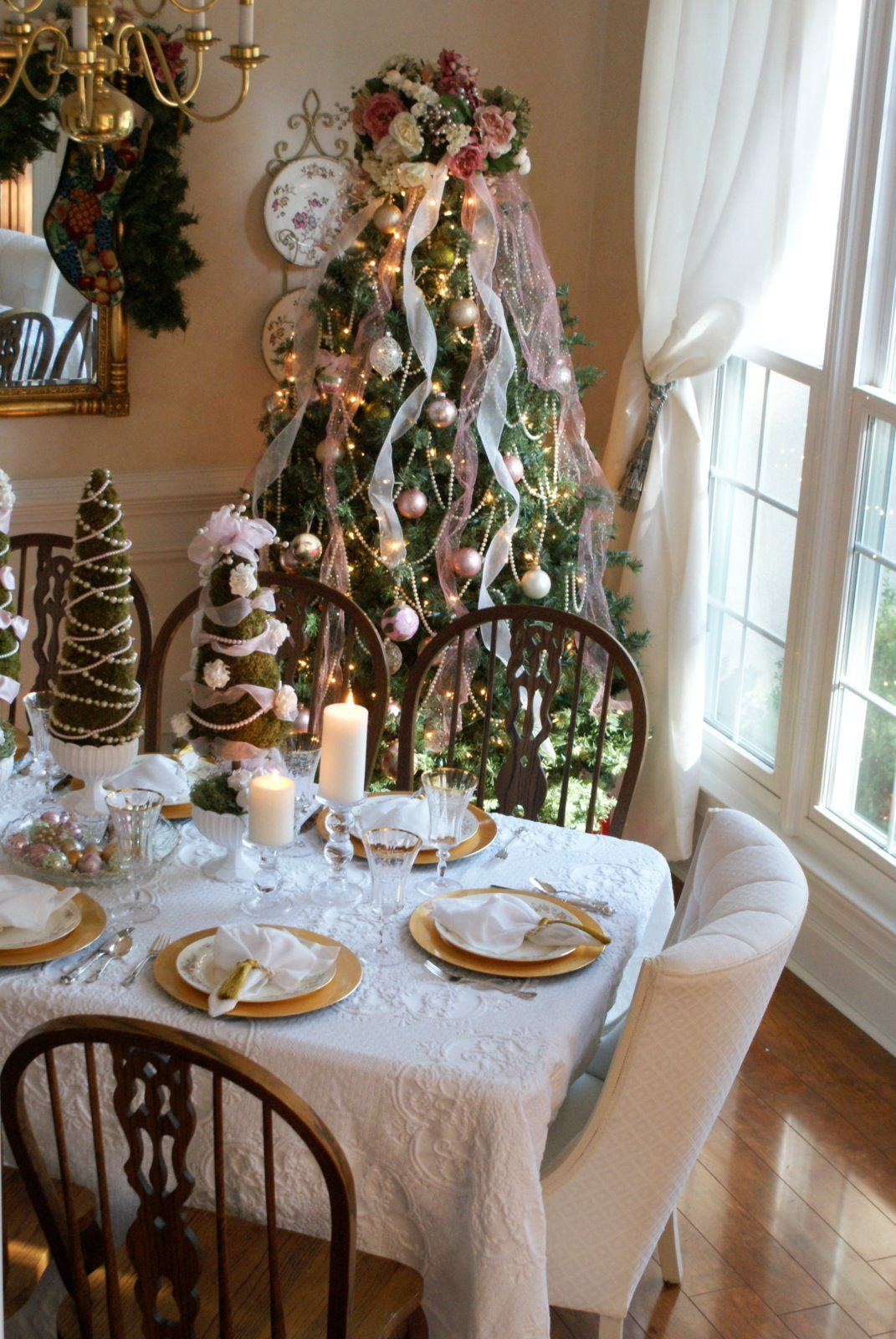 17 House Design Concepts That Will Certainly Make Your Area A Lot More Vivid That Makes Your Famil Christmas Place Settings Christmas Dining Room House Design