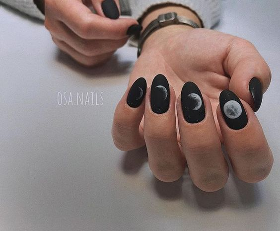 Звездное небо на ногтях: новый тренд, который никого не оставит равнодушным! (43+ фото)