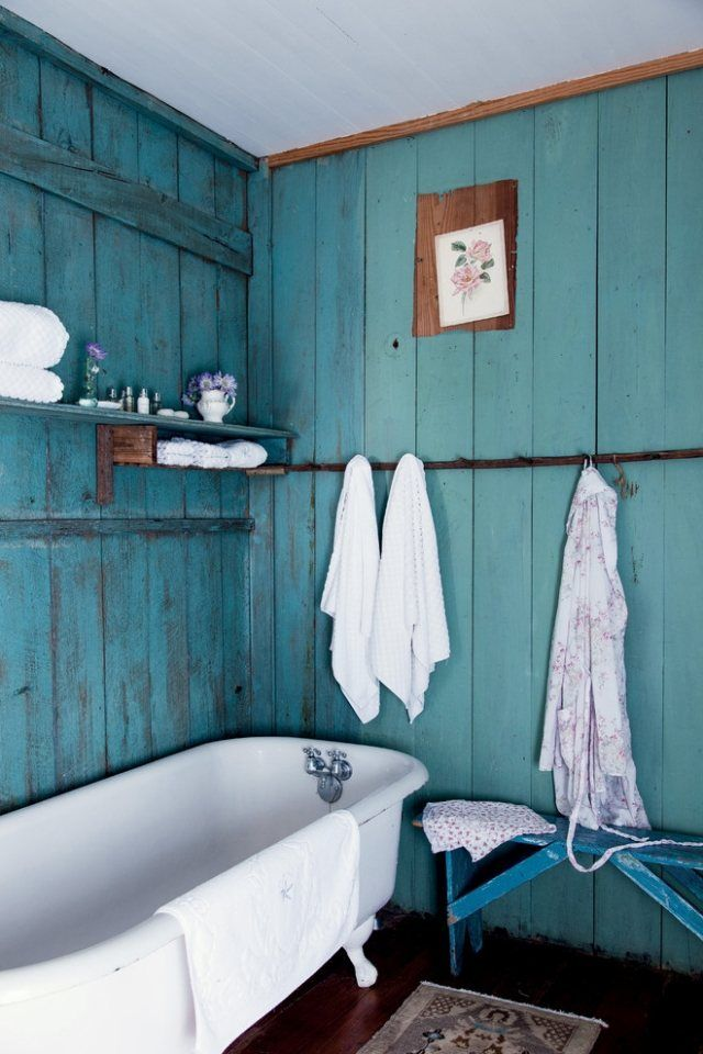Wohnideen für wohnliches Badezimmer-Holzverkleidungen in Aquamarin ...