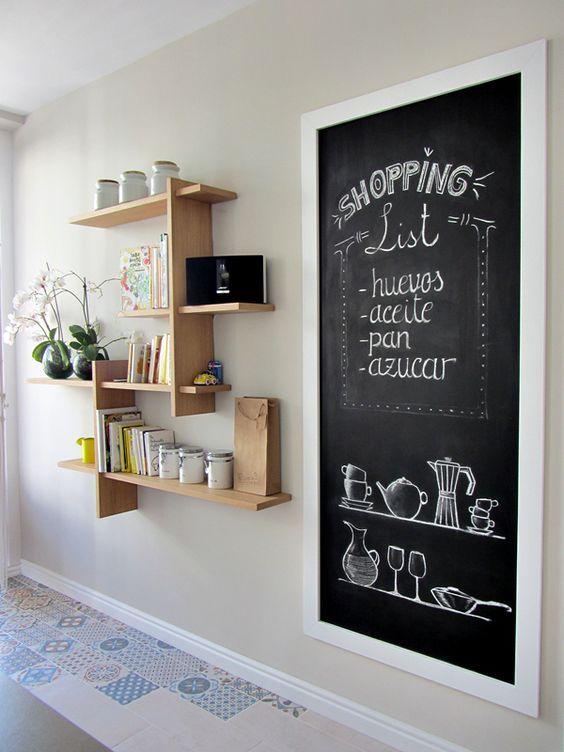 25 ideas para dar vida a tus paredes pizarra de ti y algun - Cortar pizarra en casa ...