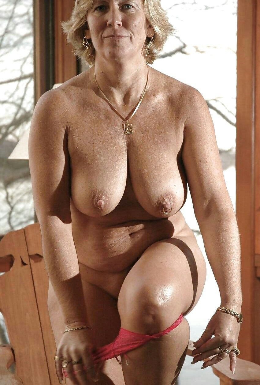 Mature fkk gallery balls