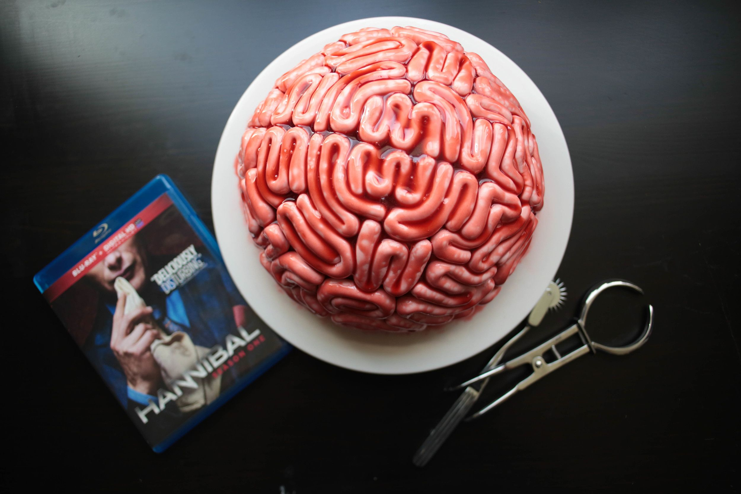 How To Hannibal Finale Brain Cake Sugared Nerd Brain Cake Easy Halloween Food Halloween Food For Party
