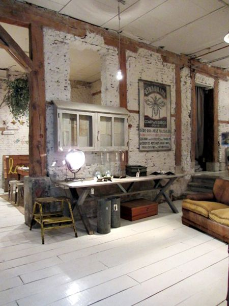 beams and white painted brick for shop idea Vidolice Pinterest