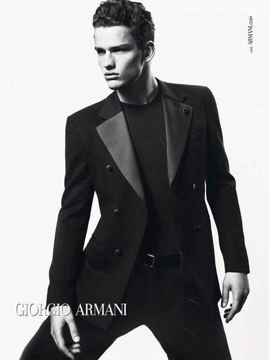 67328dcd0d3 Giorgio Armani apuesta por la elegancia para este Otoño Invierno 2012 2013