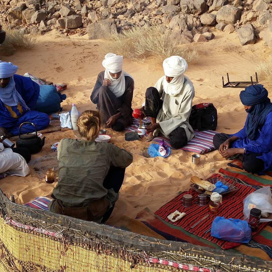 """25 likerklikk, 1 kommentarer – Denise Tomaschett (@nisly37) på Instagram: """"#Frühstück#Sahara#Tuareg"""""""
