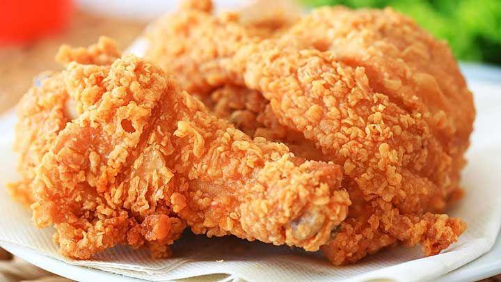 Melihat Ayam Goreng Kfc Dan Mcd Siapa Sih Yang Tidak Penasaran Ingin Mengetahui Bagaimana Cara Membuat Ayam Goreng Serenyah Itu Ayam Goreng Resep Ayam Resep