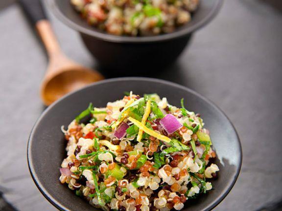 Gemüse-Taboule mit Quinoa ist ein Rezept mit frischen Zutaten aus der Kategorie Fruchtgemüse. Probieren Sie dieses und weitere Rezepte von EAT SMARTER!