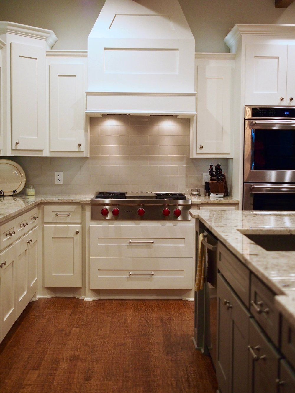 Best Sherwin Williams Snowbound Painted Cabinets Gauntlet Gray 400 x 300