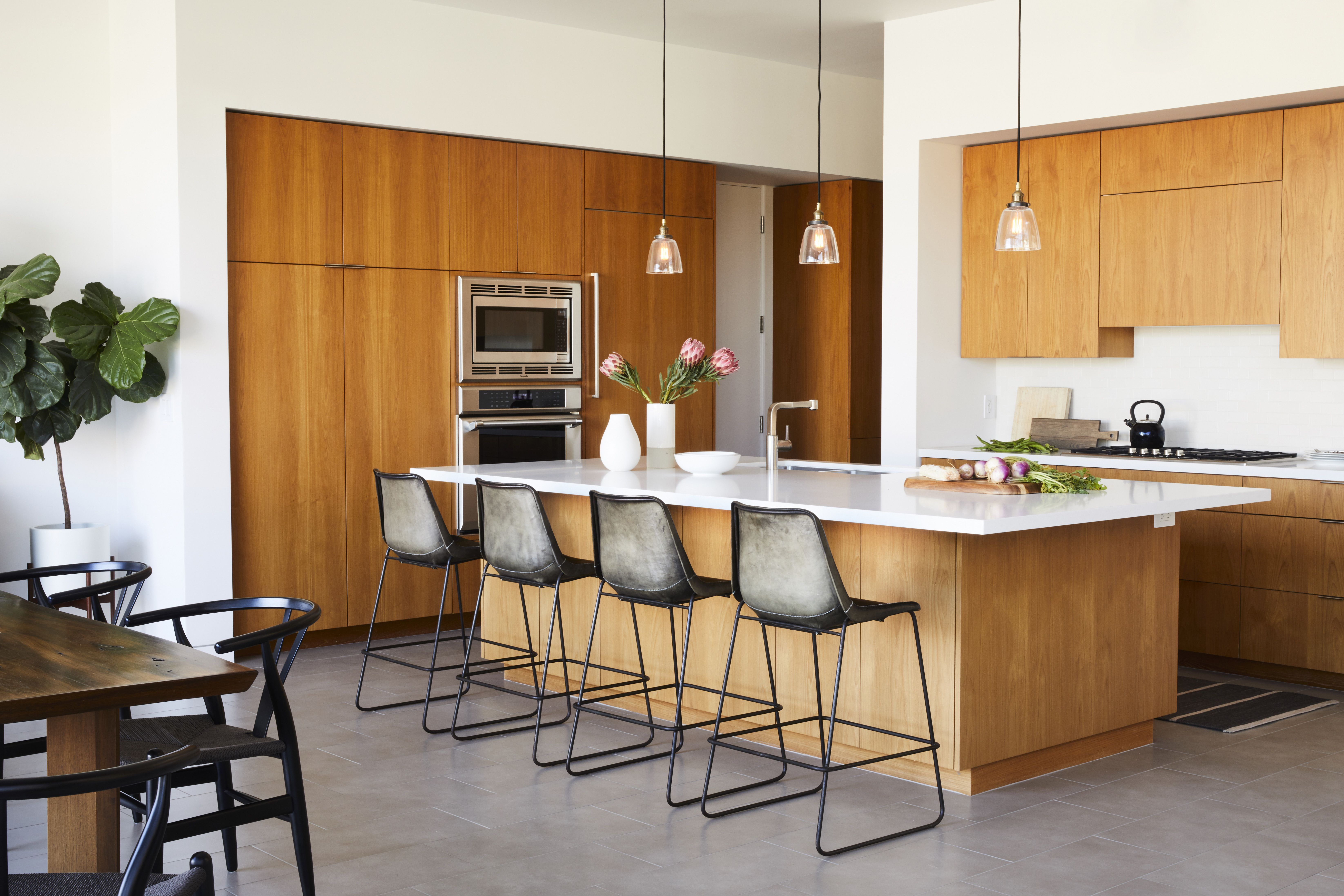 Ventura Keys Residence Modern Kitchen Design Modern Kitchen Cabinets Kitchen Cabinet Design