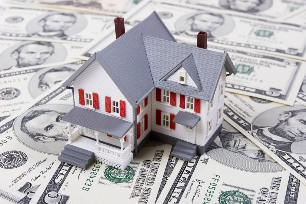 Uwm Now Offering Mortgage Interest Rates As Low As 2 5 In 2020 Lowest Mortgage Rates The Borrowers Refinancing Mortgage