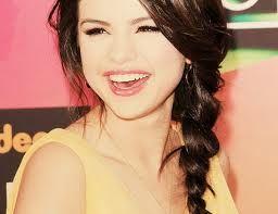 Selena supremo sorriso