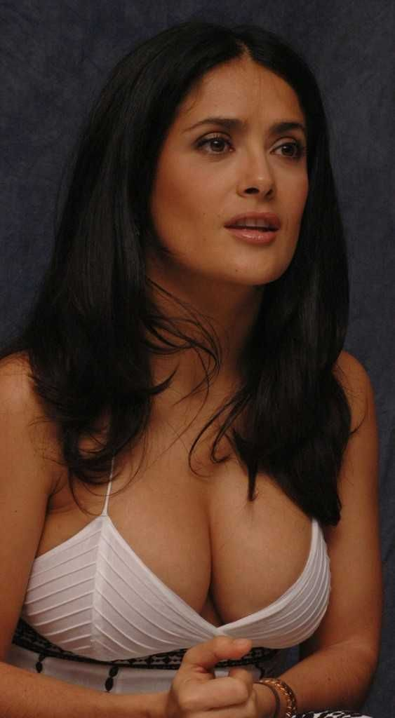 Selma hayek big boobs — photo 8