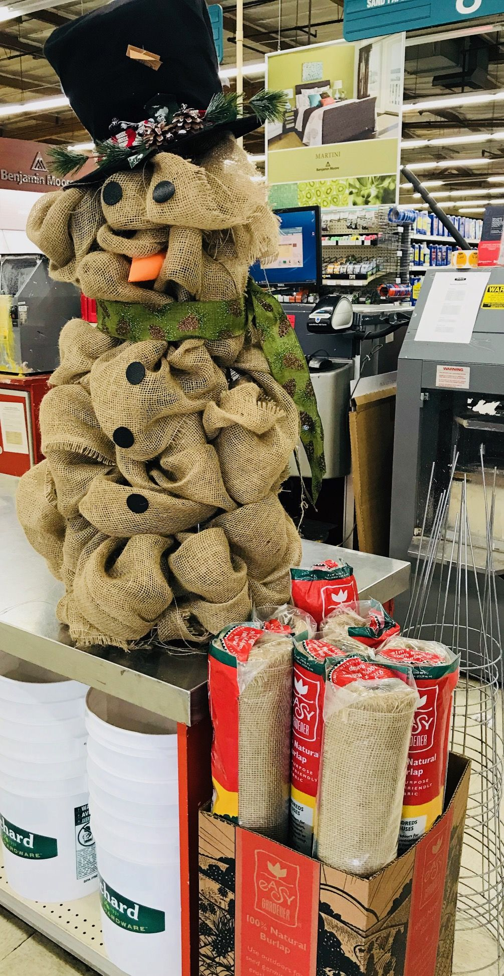Burlap Snowman DIY   A Fun And Easy Holiday Decoration! Grab What Youu0027ll