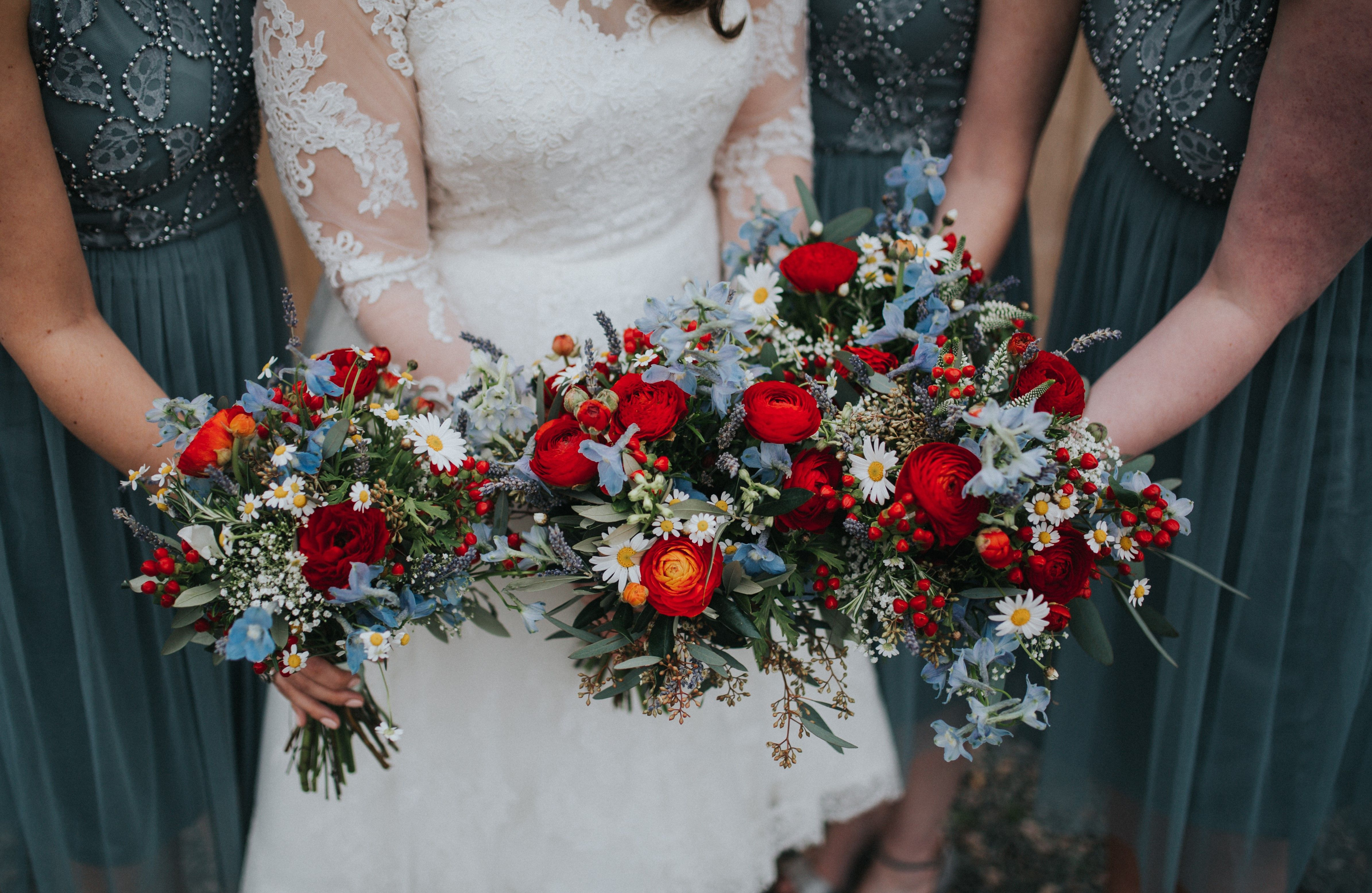 1950 S Style Wedding Red And Blue Wedding Flowers Bridal