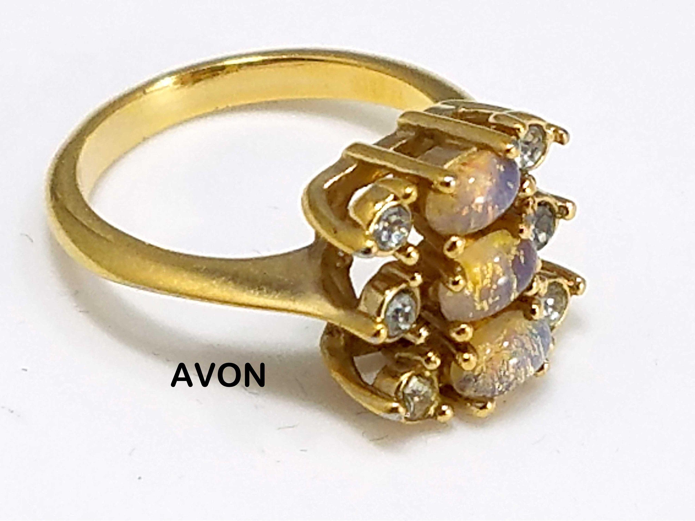 Vintage Glass Rhinestone Gold Tone Ring