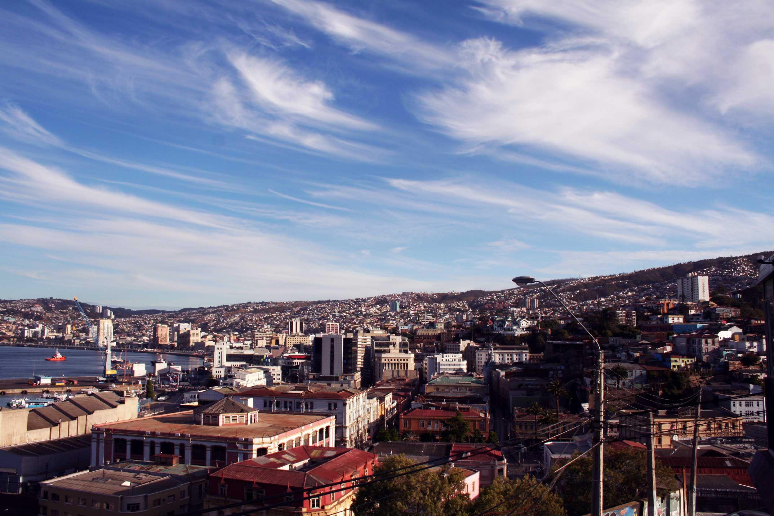 Vistas De La Bahía De Valparaiso Desde Nuestras Terraza