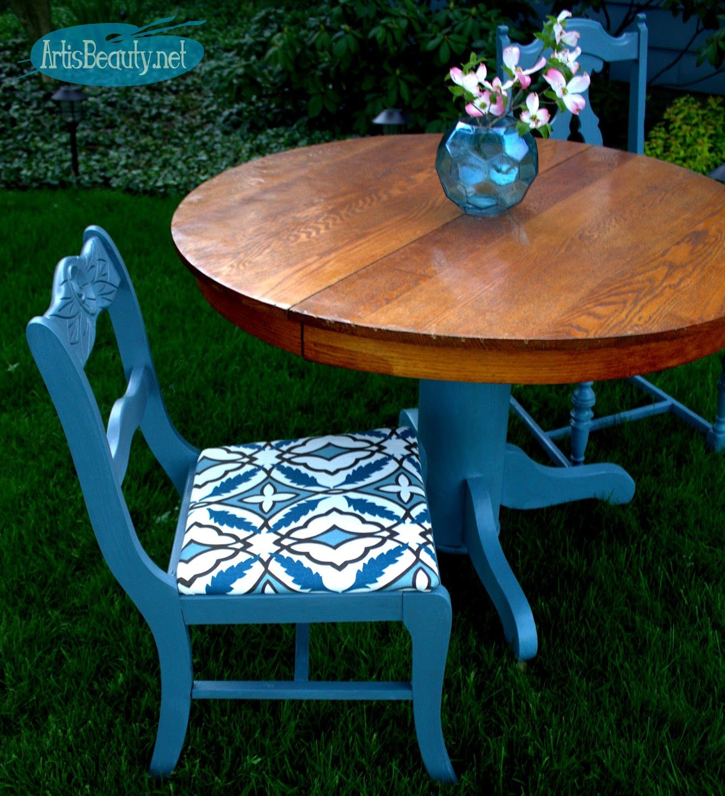 Antique round pedestal table and mismatched chair makeover