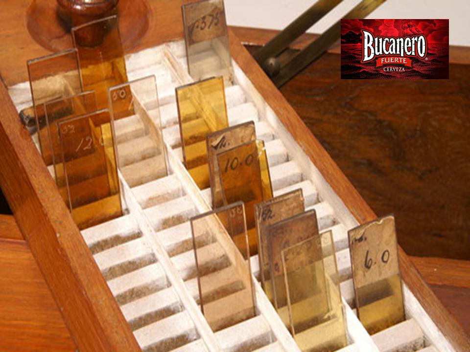 """CERVEZA BUCANERO TE INFORMA ¿Quién fue la primer persona en inventar un método para medir el color de la cerveza? El primero en desarrollar un sistema para medir el color de la cerveza fue  J.W. Lovibond en 1883 el cual consistía en comparar el líquido con patrones de vidrio coloreados. Dicha escala conocida como """"grados Lovibond ºL"""", varía entre 0 y 20, y es empleada aún hoy en día para cuantificar el color de las maltas. www.cervezasdeuba.com"""