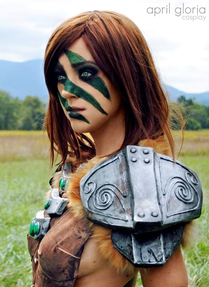 a lovely aela cosplay from skyrim 10 aela the huntress