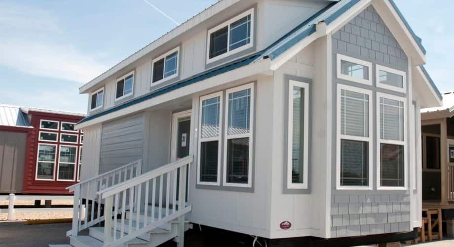 2018 Platinum Cottages Eagles Landing RV park model with ...