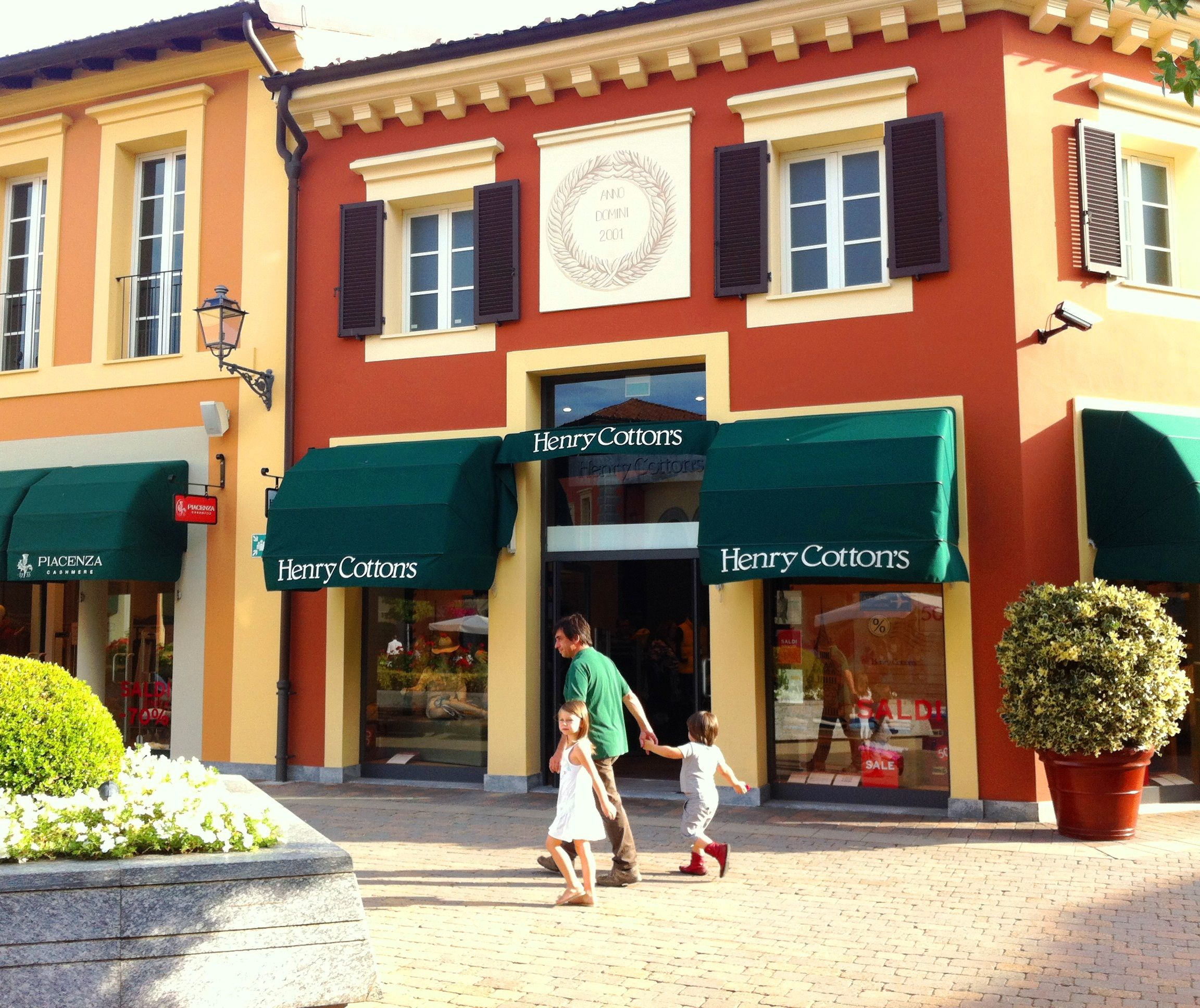 low priced 3eed4 11474 Gucci Outlet Italy Serravalle   Mount Mercy University