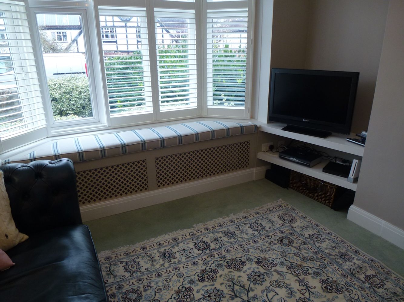 Radiator under kitchen cabinet - Bespoke Window Seat Made To Fit Into Bay Window And Around Radiator Front Grill To Carpentry And Joineryunder Stairs Cupboardwindow