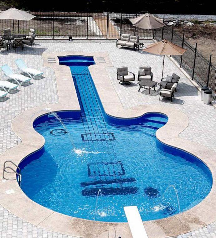 Let S Swim And Play Piano Vs Guitar Shaped Swimming Pool Zwembad Ontwerpen Zwembad Zwembaden