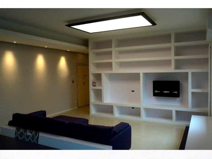 Idee pareti soggiorno in cartongesso nel 2018 libreria for Cartongesso sala