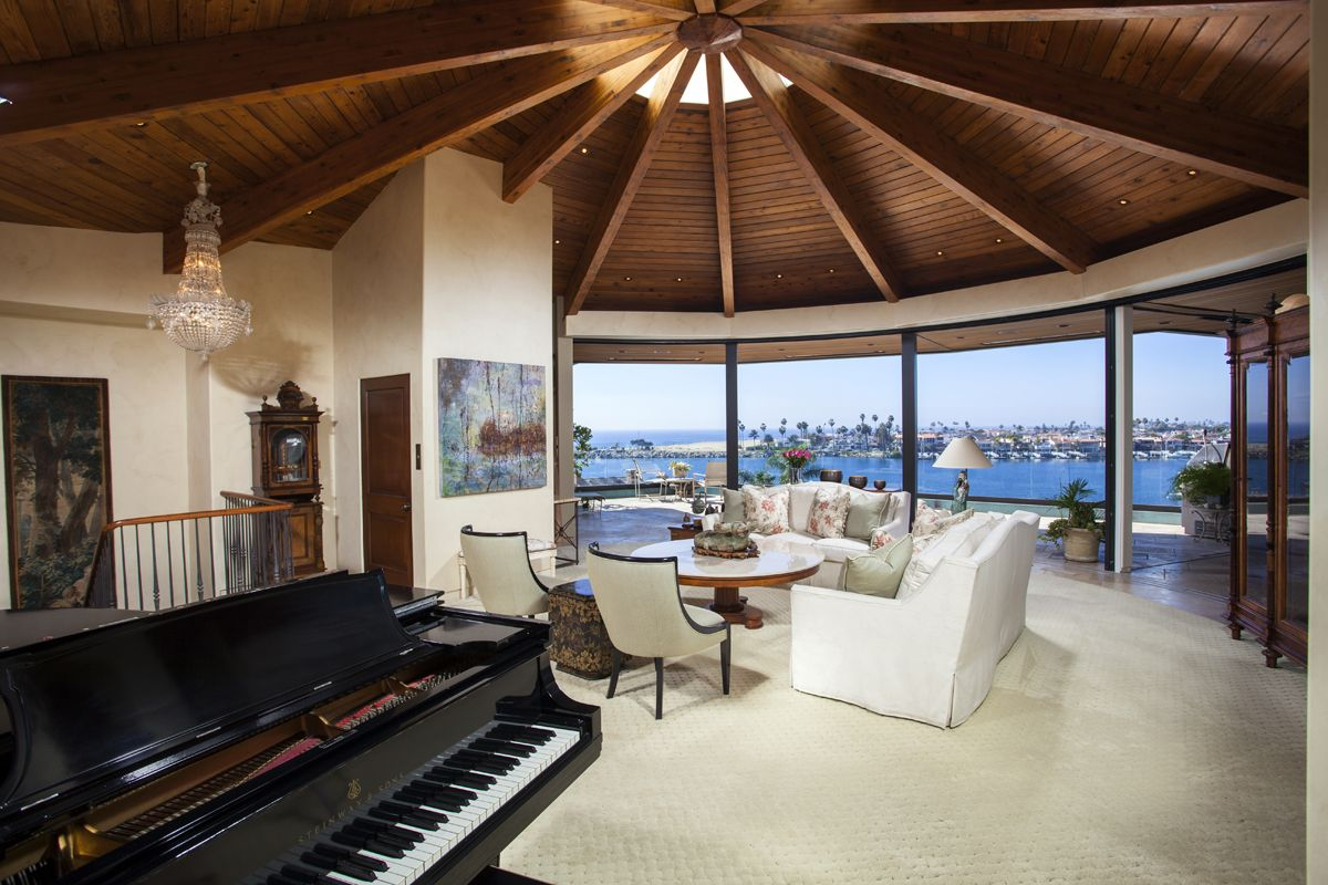 Beautiful living room with great views!