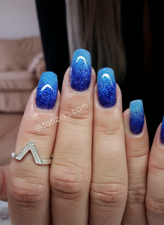 nails quenalbertini: Blue ombre glitter nails | Nails in 2019 | Blue