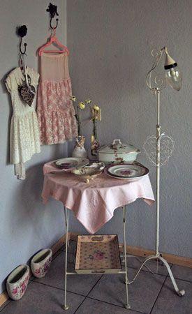 Prachtig hoekje in de woning van Lia van de Wal, met oude brocante ...