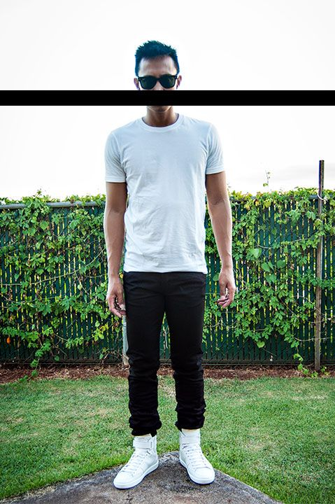 Basics. White t-shirt. Black jeans.